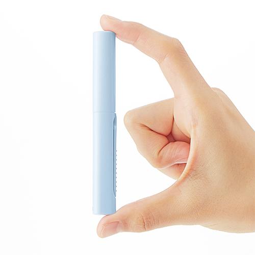 Размер новых ножниц Twiggy Pouch Size уменьшен примерно на 20% по сравнению с стандартными ножницами Plus Fitcut Curve Twiggy. Самый компактный размер в серии - 104 мм.Эти ножницы можно аккуратно хранить в косметичке, который носят многие женщины.